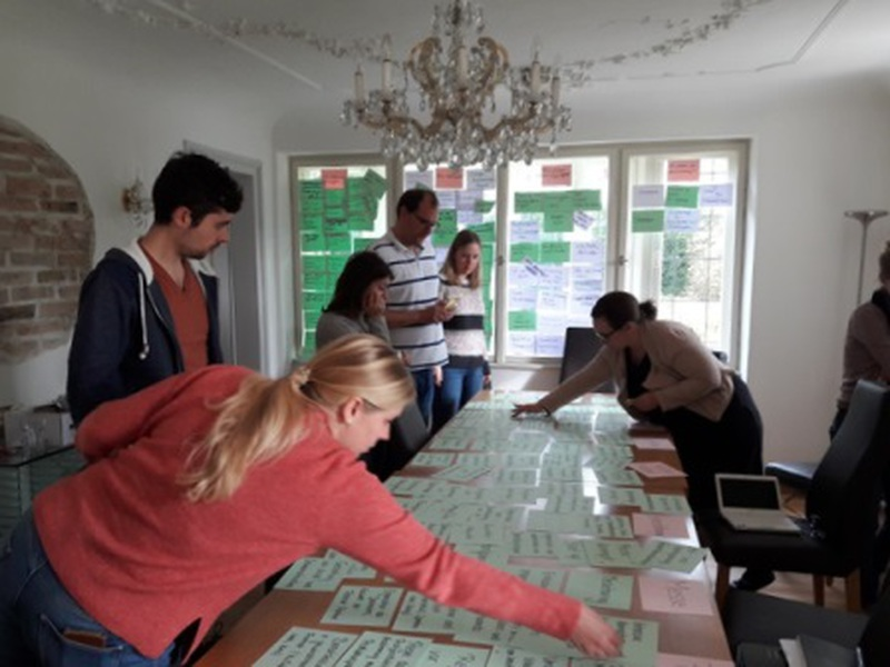 die FACTUM-Mitarbeiter:innen beim Seminar in Murnau