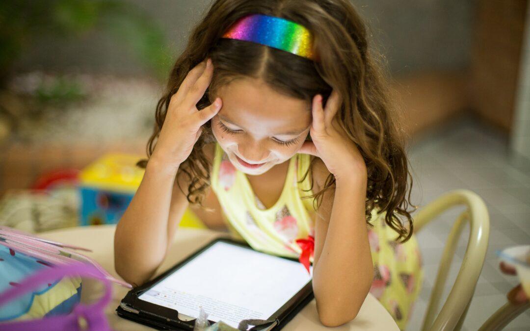 Digitalisierung an Schulen mit NEONLAB